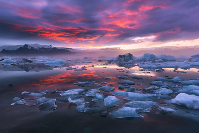 Pink Beauty of Jokulsarlon