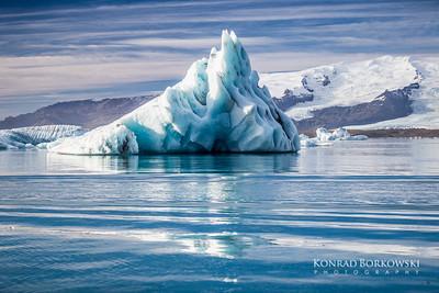 Iceberg at Jokuraslon Lagoon