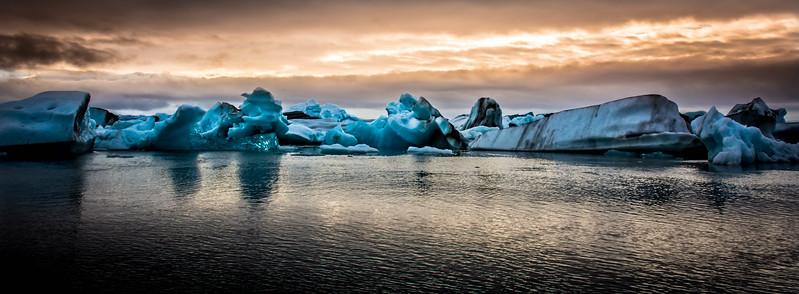 Colors and Ice - Jökulsárlón - Glacier Lagoon
