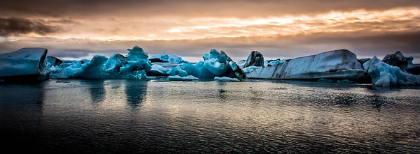 Colors and Ice - Jökulsárlón - Glacier Lagoon