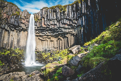 Svartifoss waterfall on the south coast of Iceland. Situated in Vatnajökull National park. #Iceland #Vacation #Svartifoss #RoadTrip #Latergram #24mm #NikonD750 #F22 #BeautifulIceland #EverydayIceland #Icelandi #NatgeoTravel #WildernessCulture #IcelandTravel #PhotographyTravel #GetOutside #TravelIceland #OptOutside #TravelStoke #Wanderlust #PhotographyEurope #NikonEurope #TravelStoke