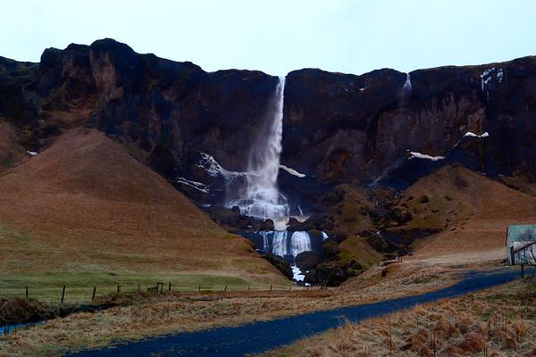 Foss waterfall horizontal