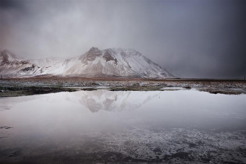 Snaefjellsness lake mists