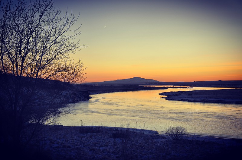 Sunset along the Ölfusá River. 2017.