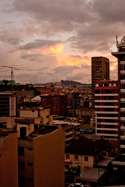 Qutio Sunset : Journey into Quito Ecuador