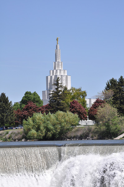 Idaho Falls LDS Temple along the Snake River. 5.31.09