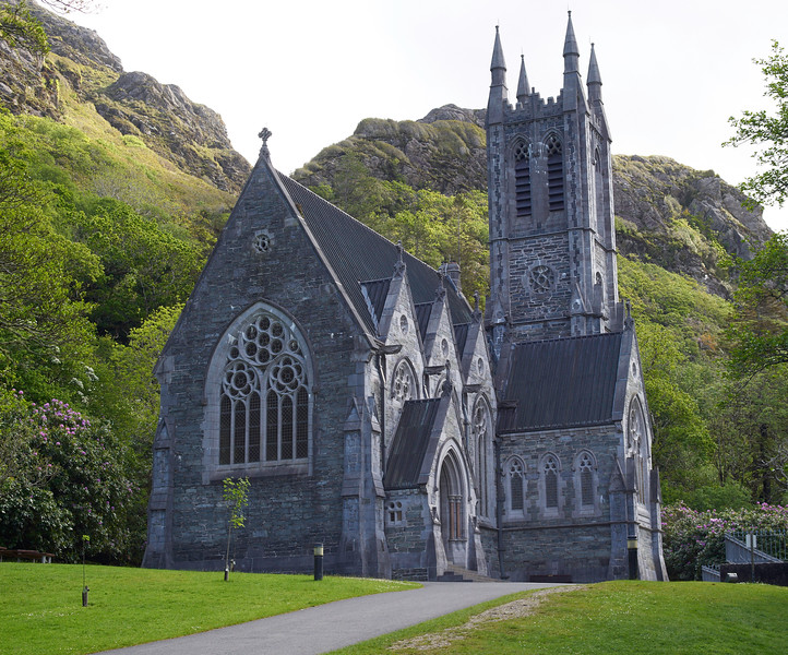 One of the surprises of Kylemore was the small gothic church built on the grounds.