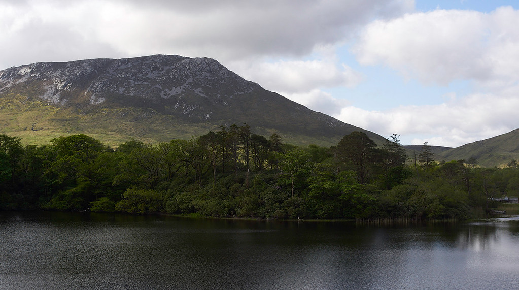 The lake and hills around Kylemore Abbey are gorgeous.  The hills in the Connemara are stark and looking at them as we drove around, they did not look all that inviting.  But they truly showed their beauty at Kylemore.  I think Sara would have liked to have stayed at Kylemore - a truly spectacular place.