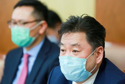 2020 оны хоёрдугаар  сарын 19. УИХ-ын Аюулгүй байдал, гадаад бодлогын байнгын хороо өнөөдөр хуралдаж, Засгийн газар болон Улсын онцгой комиссын гишүүдээс коронавирусийн халдвараас сэргийлэх талаар хийж буй арга хэмжээний талаар мэдээлэл сонслоо. ГЭРЭЛ ЗУРГИЙГ Б.БЯМБА-ОЧИР/MPA