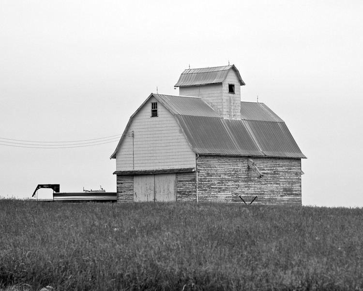 Mount Morris is located approx 2 hours (100 miles) West of Chicago in farm country.  It's about 20 miles SW of Rockford.