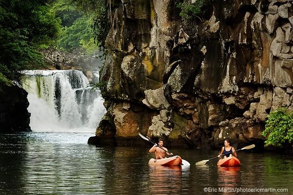 ILE MAURICE. Otentic Eco Tent Experience. Exploration en kayak de la Grande Riviere Sud-Est et de sa cascade