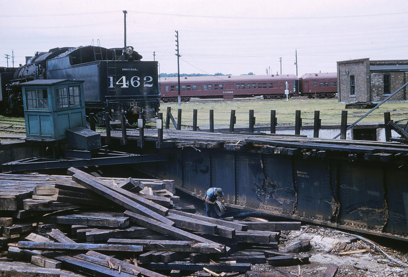ICRR 63 - Jun 18 1958 - Damaged Turntable at Carbondale ILL