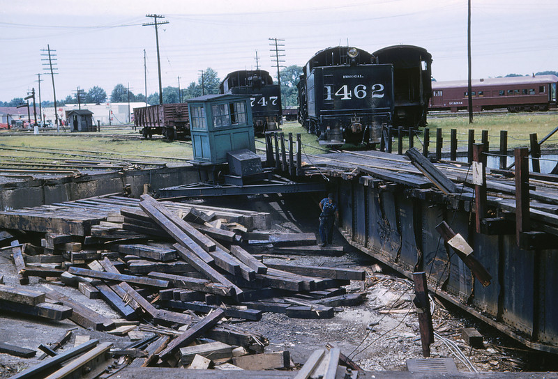 ICRR 64 - Jun 18 1958 - Damaged Turntable @ Carbondale ILL