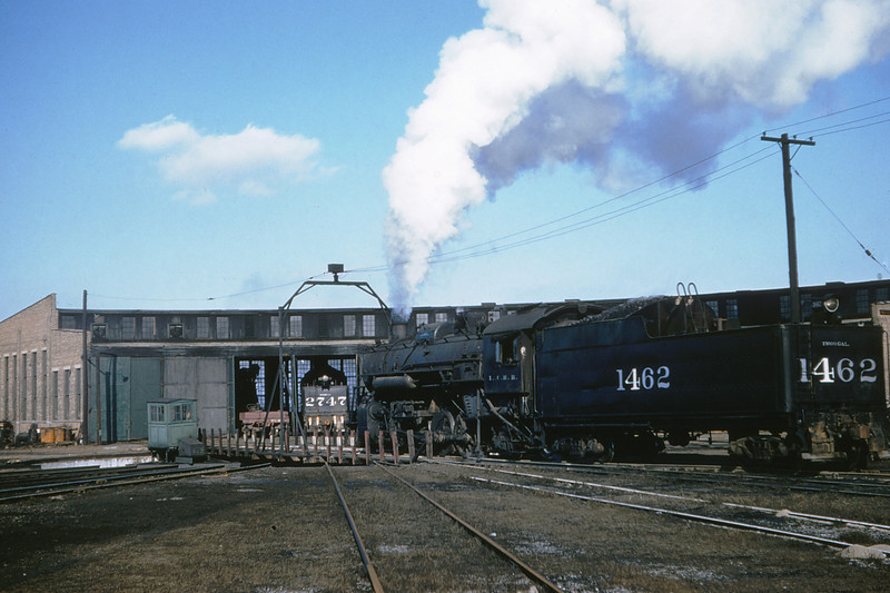 ICRR 55 - Jan 29 1958 - 2 8 2 no  1462 in roundhouse Carbondale ILL