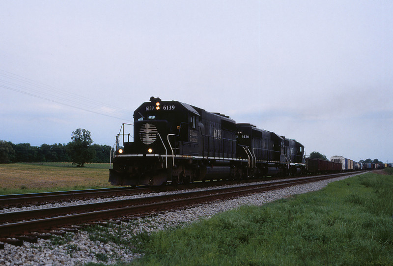ICRR 96 - Apr 29 1994 - northbound from Fulton KY
