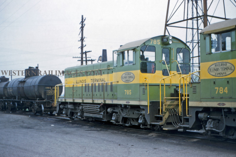 ITS 202 - May 1 1956 - EMD switchers 785 - 784 at Lang ILL