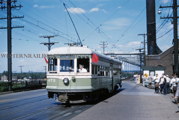 ITS 216 - Jun 21 1958 - car 473 on Illini RR club fantrip last day at east end of McKinley bridge