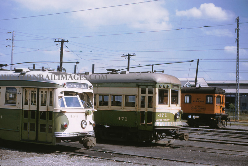 ITS 12 - Sep 19 1954 - car 454 & 471 & freight motor 1576 at 15th and Madison - Granite ILL