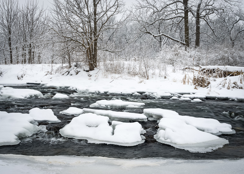 LO 004<br /> <br /> Icebergs form in the freezing waters of Ferson Creek as it flows through Leroy Oaks Forest Preserve in Kane County, Illinois.