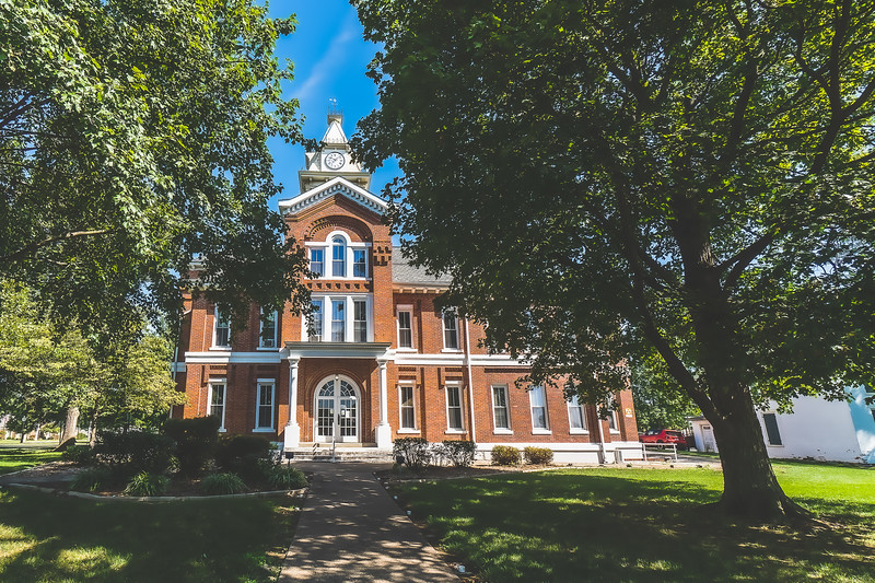 Edwards County Illinois Courthouse in Albion