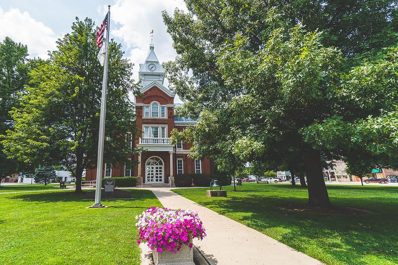 Cumberland County Illinois Courthouse in Toledo