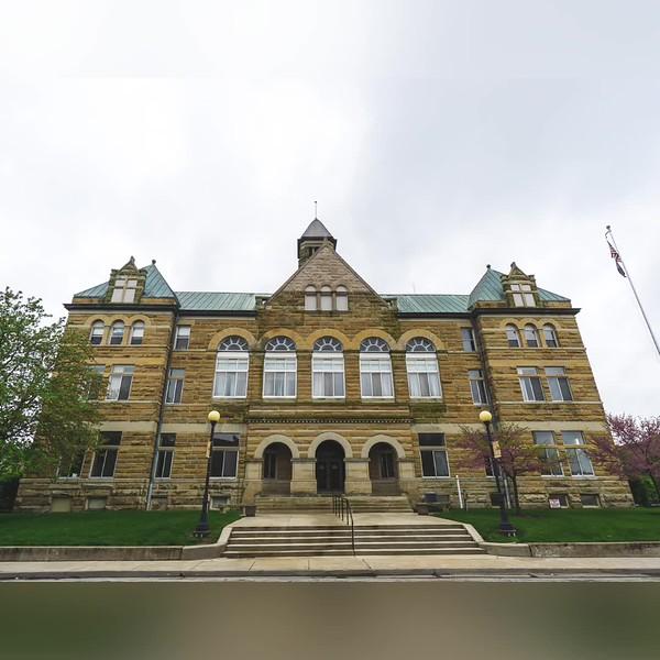 2019 Illinois: Illinois Courthouse Photo Slideshow