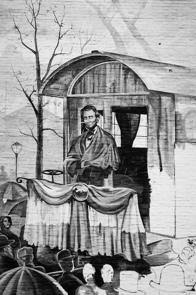 Mural - Abraham Lincoln's Farewell Speech