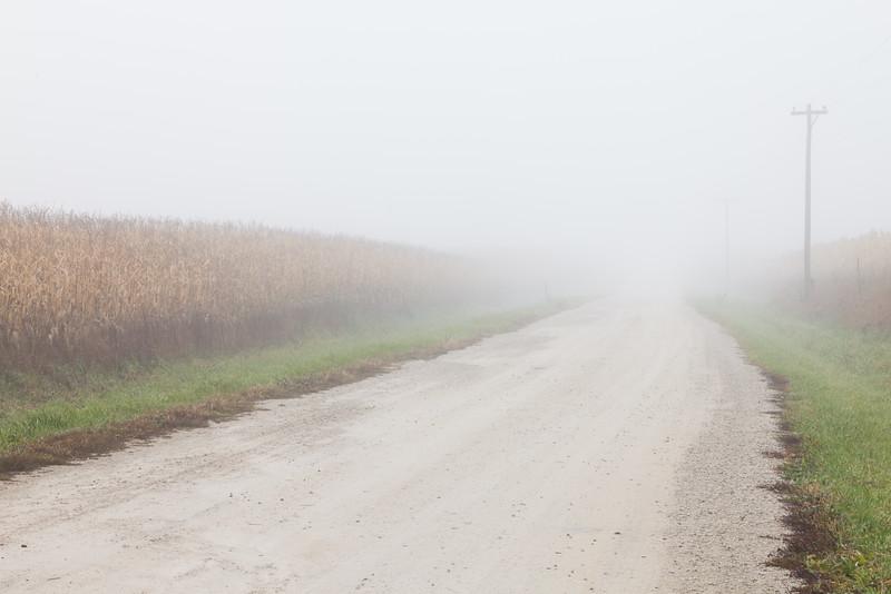 Heavy fog descends into the farms outside Yorkvlle, IL<br /> <br /> IL-091027-0003
