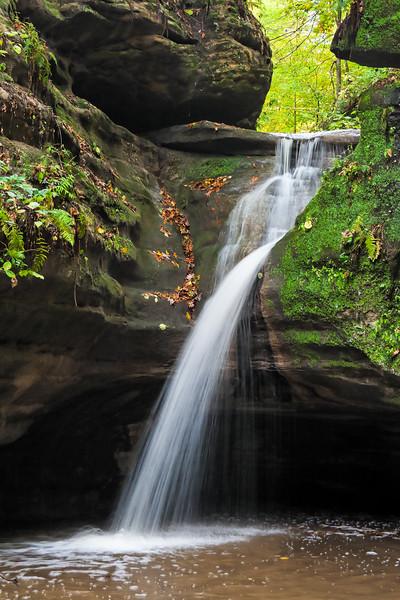Kaskaskia waterfall in Autumn. Lasalle County, IL<br /> <br /> IL-061017-0056