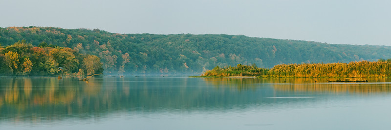 Early fall color along the Illinois River near Starved Rock State Park. Lasalle County, IL<br /> <br /> IL-071103-0267
