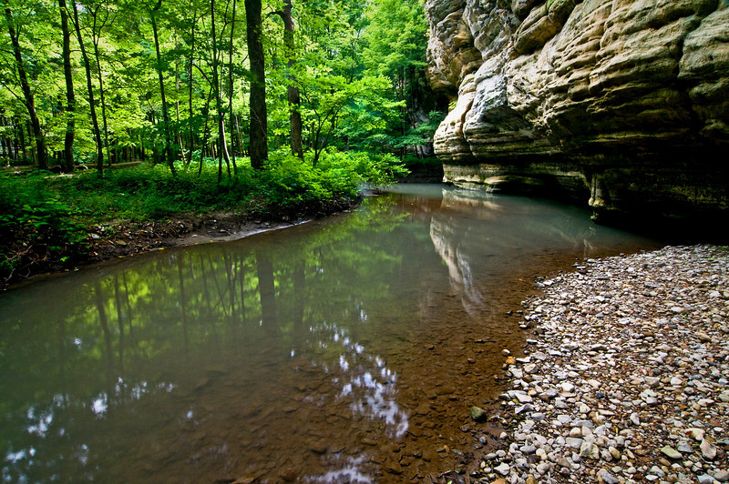 SR 004                       Spring in Illinois Canyon at Starved Rock State Park, Utica, Illinois.