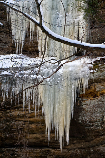 SR 054                       Frozen icicles cling to the sandstone walls of LaSalle Canyon at Starved Rock State Park, Utica, Illinois.