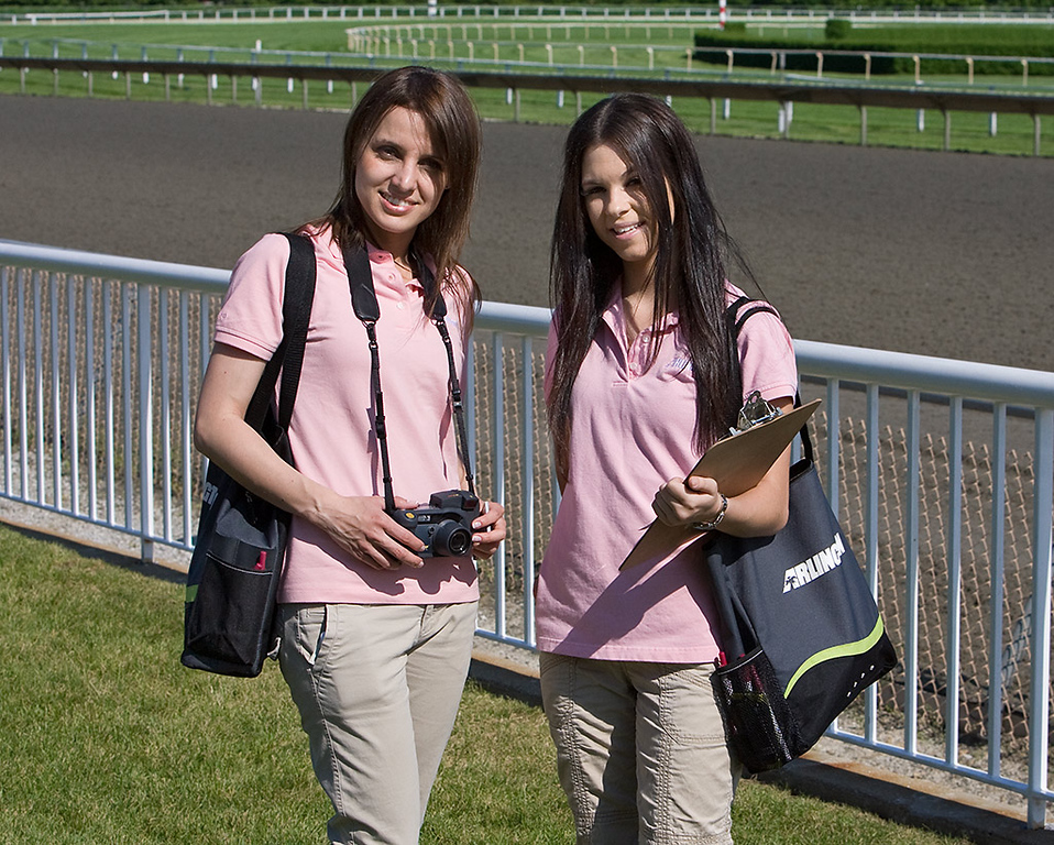 Arlington Park Photo Girls