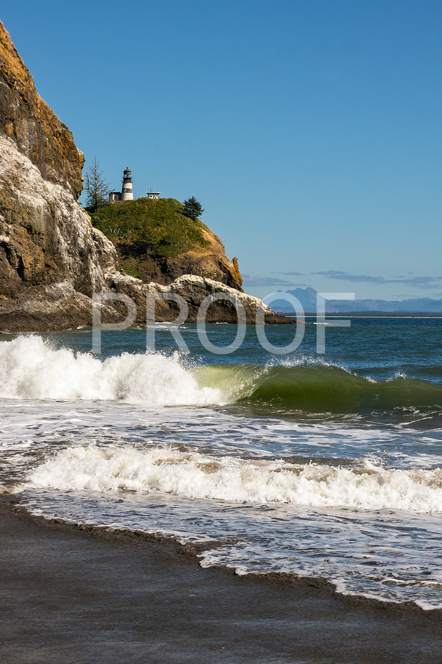 Waves rolling in at Cape Disappointment