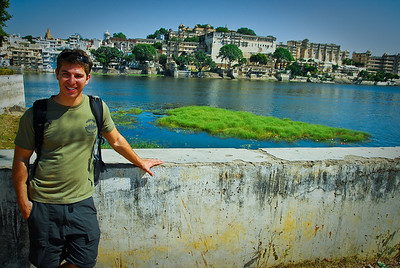 "Itsa me! on the other side of the Udaipur ""lake"" which is half dry due to a weak monsoon season"