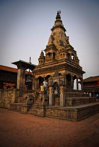 Bhaktapur's Durbar square at sundown