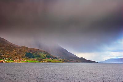Rain showers over Gullesfjorden