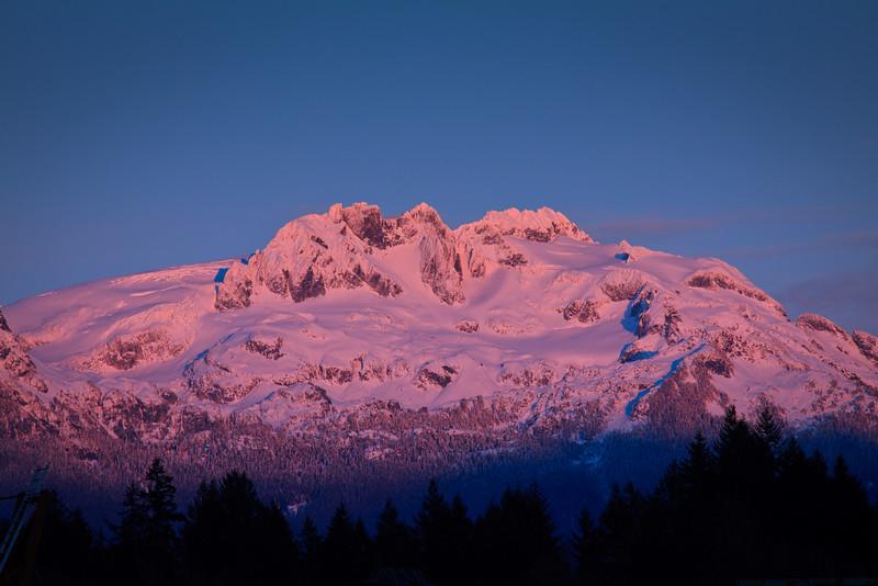 Mamquam Mountain Alpenglow