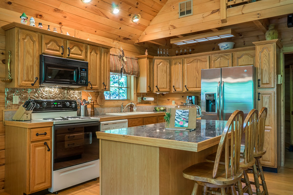 Cabin Nestled in the Woods, Rental Home