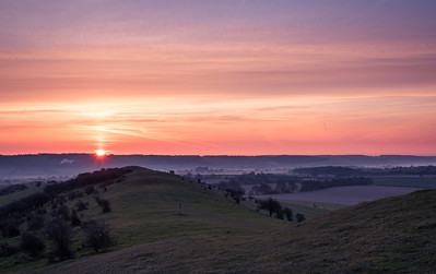 Sunrise seen from Ivinghoe Beacon
