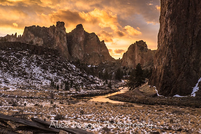 Sunset At Smith Rock State Park, Central Oregon