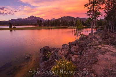 Alpenglow At Sparks Lake, Central Oregon Cascades