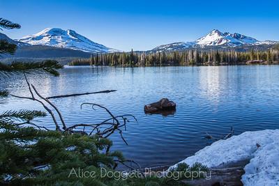 Sparks Lake In Winter, Central Oregon Cascades
