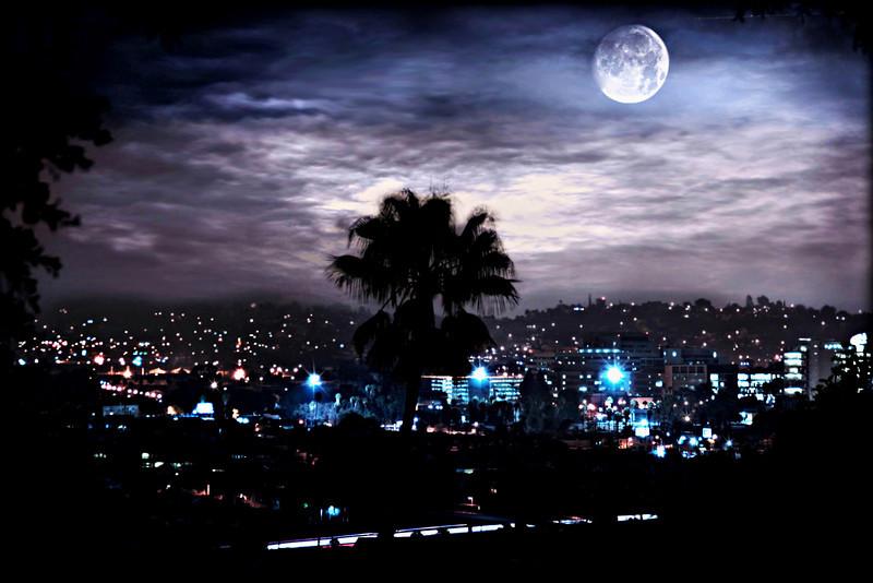 Supermoon March 2011~<br /> <br /> Los Angeles, Ca.