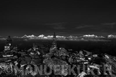 Blick vom Niesen auf Eiger, Mönch und Jungfrau und Berner Alpen