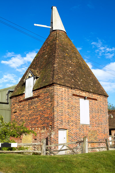 Small English hop house in the countryside