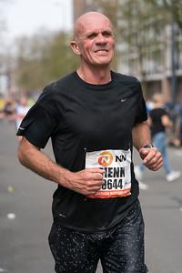 Runner in black