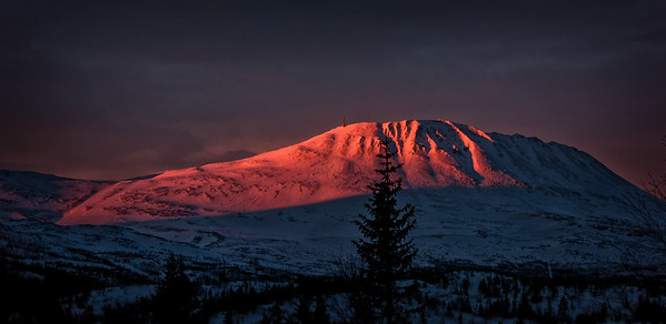 Sunrise over Gaustatoppen
