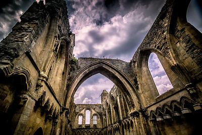 Venturing into history and embracing the splendour Glastonbury Abbey