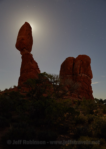 (10/5/2014, Balanced Rock, Arches NP)<br /> EF24-105mm f/4L IS USM @ 35mm f/5.6 30s ISO800